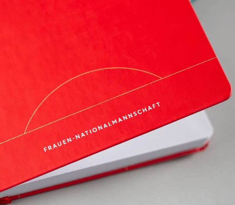 frauen-nationalmannschaft-notizbuch